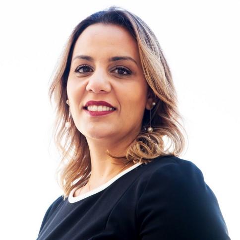 Dra. Kelly A. Oliveira Gonçalves